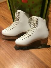 Jackson Freestyle (Model 2190) Figure Skates with Aspire Blades - Size 5 1/2C