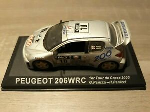 Miniature Peugeot 206 wrc 1er Tour de Corse 2000 Altaya 1/43 sur socle
