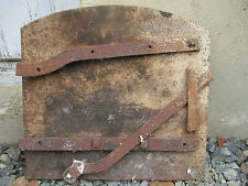 porte de four de boulanger en fonte ancienne.