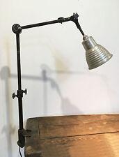 Ancienne Lampe D'atelier usine TS ' Tous Sens '  Dans son jus d'origine NO GRAS