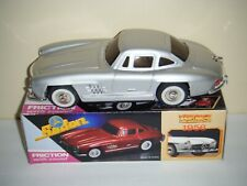 Mercedes Benz 1956 Sedan Friction Toy Car MF 326 (SILVER)