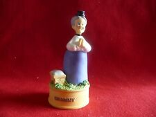 LENOX LOONEY TUNES THIMBLE COLLECTION -GRANNY, NEW in BOX