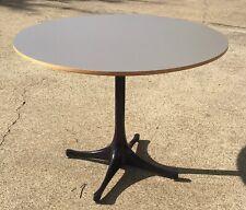 George Nelson Pedestal Coffee Table for Herman Miller (Plum Base) Medium Top