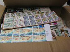 +/- 1 Kilos de timbres oblitéré sur fragment , décollé  et quelques neuf