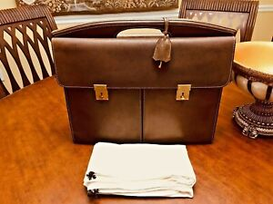 Authentic GUCCI of MILANO  Fine Brown Leather Briefcase / Portfolio - ITALIA