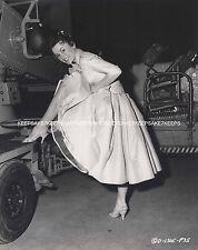 ACTRESS LUCY MARLOW LIFTING HER DRESS LEGGY UPSKIRT 8x10 PHOTO A-LMAR