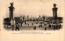 CPA PARIS EXPO 1900 - Le Pont Alexandre et les Palais des Invalides (307337)