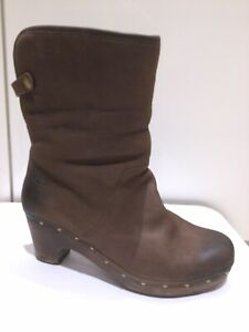 Genuine Ugg Australia Ladies Boots Size Uk 7.5 (41)