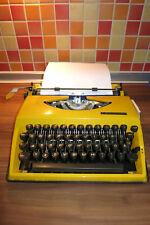 Triumph Adler TA  Reise Schreibmaschine Koffer