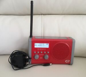 Roberts Solar DAB 1 in Red