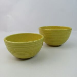 """McCoy Pottery Vintage Lot of 2 Ribbed Nesting Bowls 6"""" & 7"""" Yellow Speckled"""