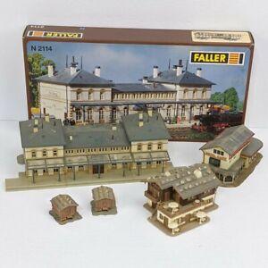 Vtg N Scale Building Lot of 5 W. Germany Faller  2114 Station Hotel Cafe Kibri