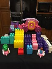 MEGA BLOKS WITH 116 With Disney Princess Cinderella Pull Along Pink Carriage
