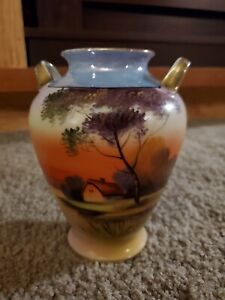 Vintage Noritake MORIMURA Handpainted Porcelain double-handled vase with gold accents
