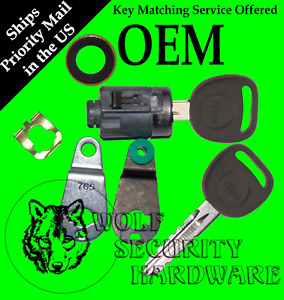 GM Chevy GMC OEM Single Door Lock Key Cylinder Chrome 2 Keys 7001071
