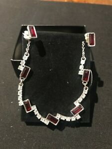 Avon - Pilar Glam Giftset - Silver Plated With Red & Clear Stones