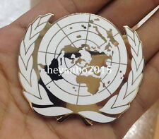 UN UNITED NATIONS METAL BERET CAP METAL PIN BADGE GOLD MILITARY
