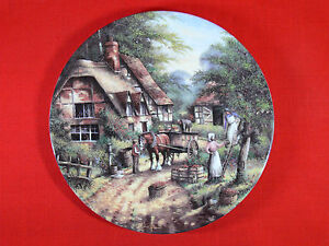 WEDGWOOD Country Days THE APPLE PICKERS Ltd Edition Fine China COLLECTORS PLATE
