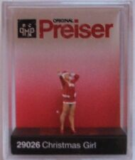 Preiser 29026 Girl In Christmas Outfit 00/H0 Model Railway Figure