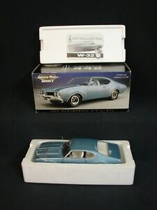 ERTL American Muscle Mint 1969 Oldsmobile 442 W32 69 OLDS 1/18 Scale NEW Blue