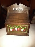 """Vintage Wood Recipe Box Strawberry Motif Hanging Table Top for 3x5 Cards 7.5"""""""