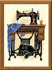"Sewing Machine and Cat (Riolis)Cross Stitch Kit  7"" x 9.50"""
