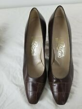 Women's Salvatore Ferragamo Brown Leather Pumps Kitten Heels Size 7.5 B vintage