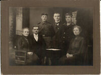 Großes CAB photo Soldaten / Marine mit Familie - 1910er
