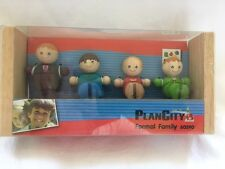 PlanToys - Plan City - Formal Family
