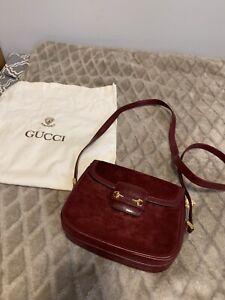 Authentique GUCCI Vintage Cuir Et Daim  Avec Médaillon Gucci