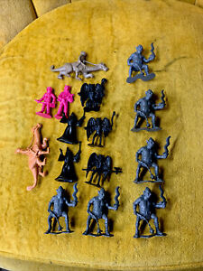 15 Lot  Plastic Knights Marked DFC 1981 Hong Kong Dragonriders of the Styx Mixed