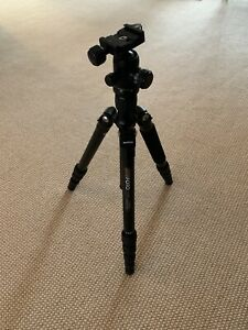 PERFECT CONDITION ULTRA BLACK MeFoto Roadtrip Travel Tripod Kit  A1350Q1 + CASE