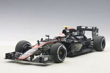 Autoart McLAREN MP4-30 F1 2015 SPAIN BUTTON #22 w/ DRIVER FIGURINE 1/18 In Stock