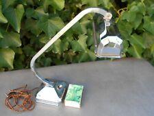 Ancienne lampe de bureau ART DECO en métal chromé articulée type pirouette.