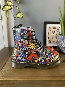 Dr Marten 1460 Pascal Wanderlust Leather Boots Size 5 38 Floral Red BNIB