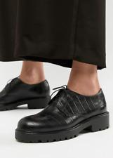 Vagabond Kenova Moc Croc Leather Moccasins - Size 7.5