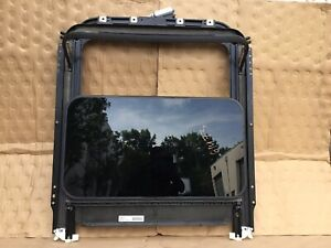 03-10 Porsche Cayenne S Sun Roof Sunroof With Motor OEM R