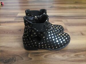 Tahari Toddler Girl's Black Star Zippered Boots Bow Size 8