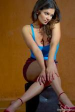 Denise Milani brillante de la foto #7