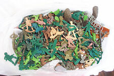 Bag Lot of Plastic Army Soldiers Infantry Various Positions and Weapons