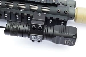 Compact LED Gun Flashlight 800 Lumens Rifle Shotgun Picatinny mount & Battery