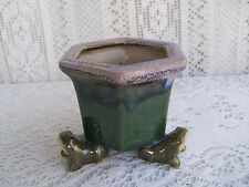 ***** ART POTTERY  MAJOLICA STYLE BAMBOO PLANTER WITH 3 FROGS LEGS *****