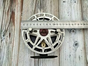 Inertial Fly Fishing Fisherman Spinning Reel Aluminum 1980s USSR Works Great