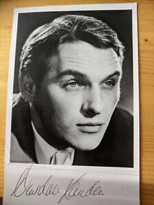 Signed Photograph Of Actor Dinsdale Landon From 1960s