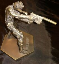 METAL GEAR SOLID 2 SONS OF LIBERTY SHAREHOLDER COMMEMORATIVE BRASS FIGURE