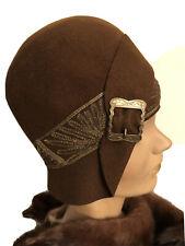 1920s Original Vintage Brown Felt Cloche Hat With Gold Trim