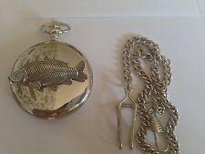 Reloj de bolsillo F35 Carpa emblema en un regalo caja de plata pulida Cuarzo Fob