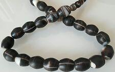 1 Lot sur Fil de 56 Perles en AGATE noir et blanc du Mali