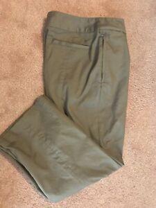 Nike Golf Dri-Fit Womens Size 6 Crop Capri Pants Tan
