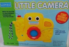 MEGCOS LITTLE CAMERA BLUE PRETEND PLAY LIGHTS-PHRASES & SHUTTER SOUND LENS TURNS
